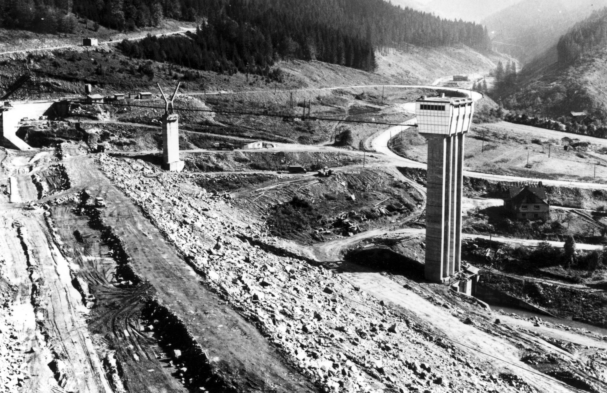 Výstavba přehrady 4